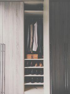 wardrobe-2605328_1920